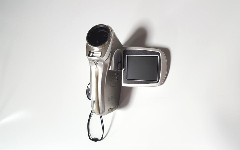 Xacti DMX-C4 (2004年)